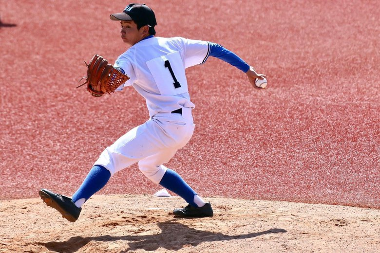 英心的「當家投手」,也是輟學生松本周,國中時因為被霸凌,導致高中不敢上學。進入球隊時完全沒打過棒球。  圖/豐田毅提供