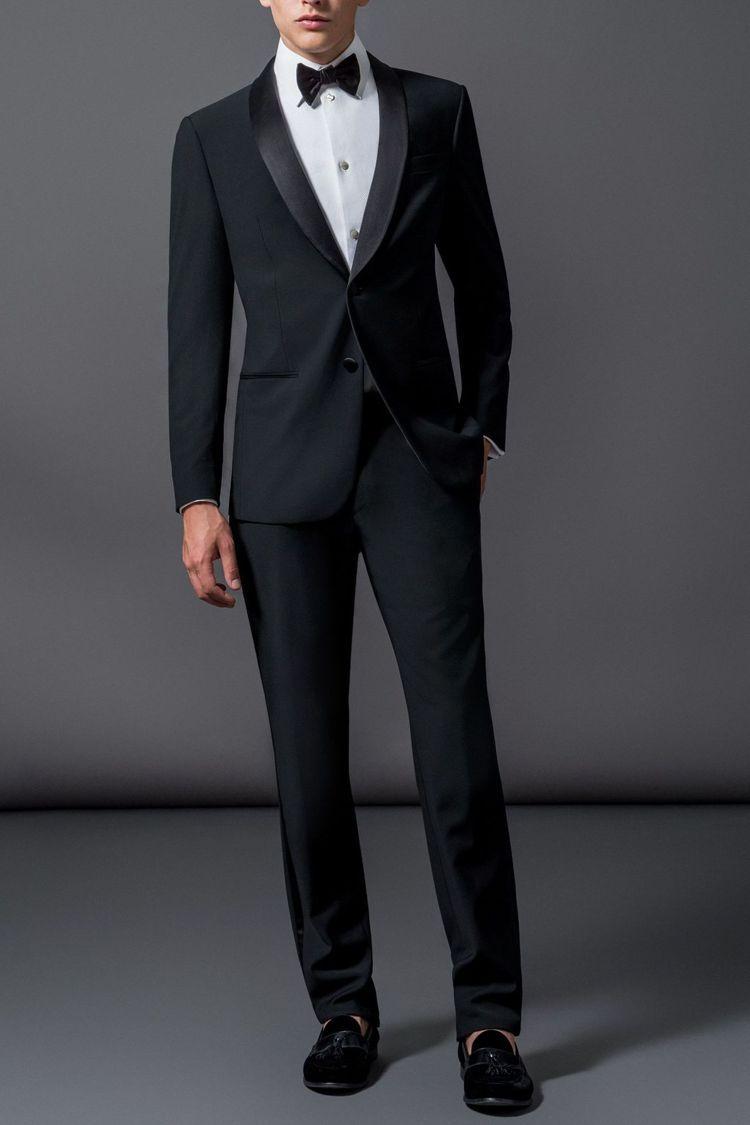 GIORGIO ARMANI男士西裝,售約122,500元(港幣31,000元)...