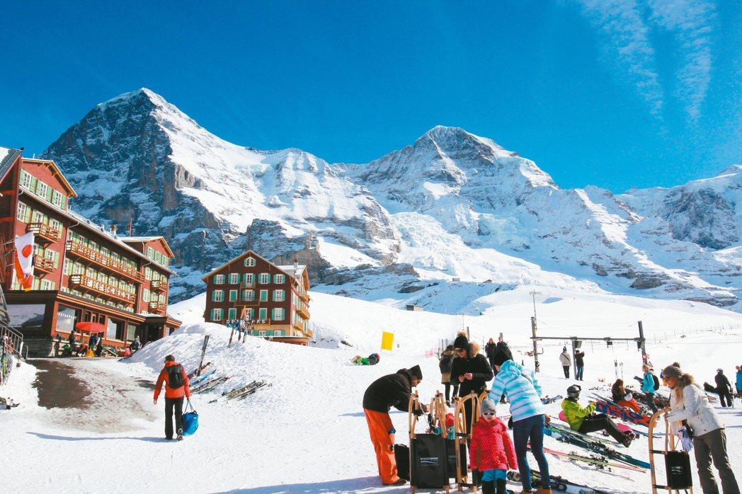 一個20餘年來,只專注在瑞士旅遊路線的專業旅人、人稱「發哥」、有「瑞士旅遊教父」...