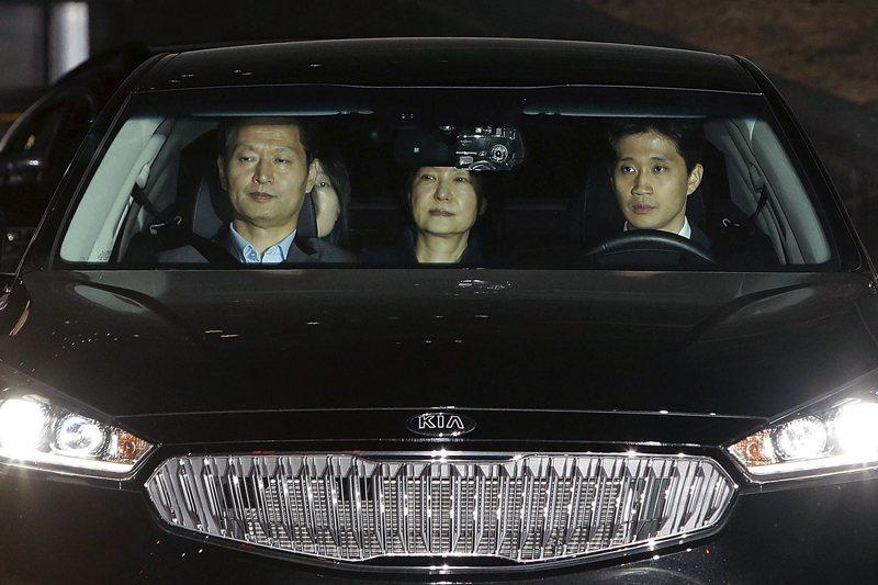 3月31日凌晨遭檢方裁定收押的朴槿惠。 圖/美聯社