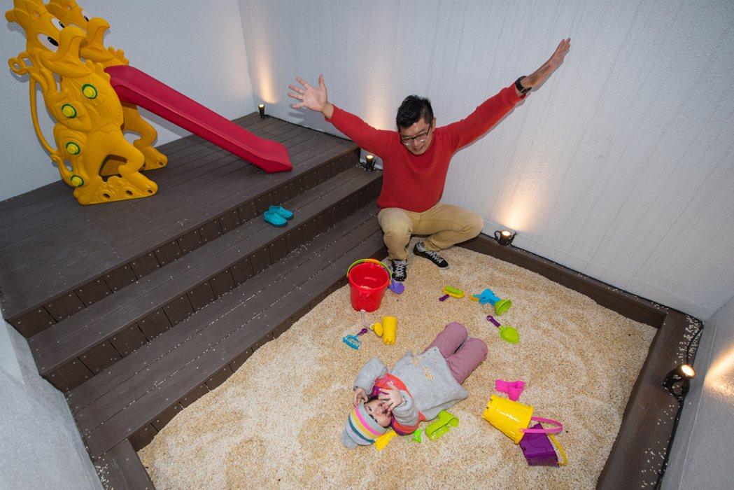 悅河精品旅館主打親子客群,房間設有露天沙坑。 圖/業者提供