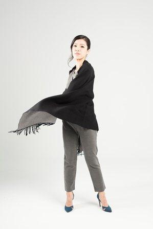 張棉棉|飾王如倩,崇尚單身獨立的強人女律師,在突破30歲大關之後,開始對於孩子有...