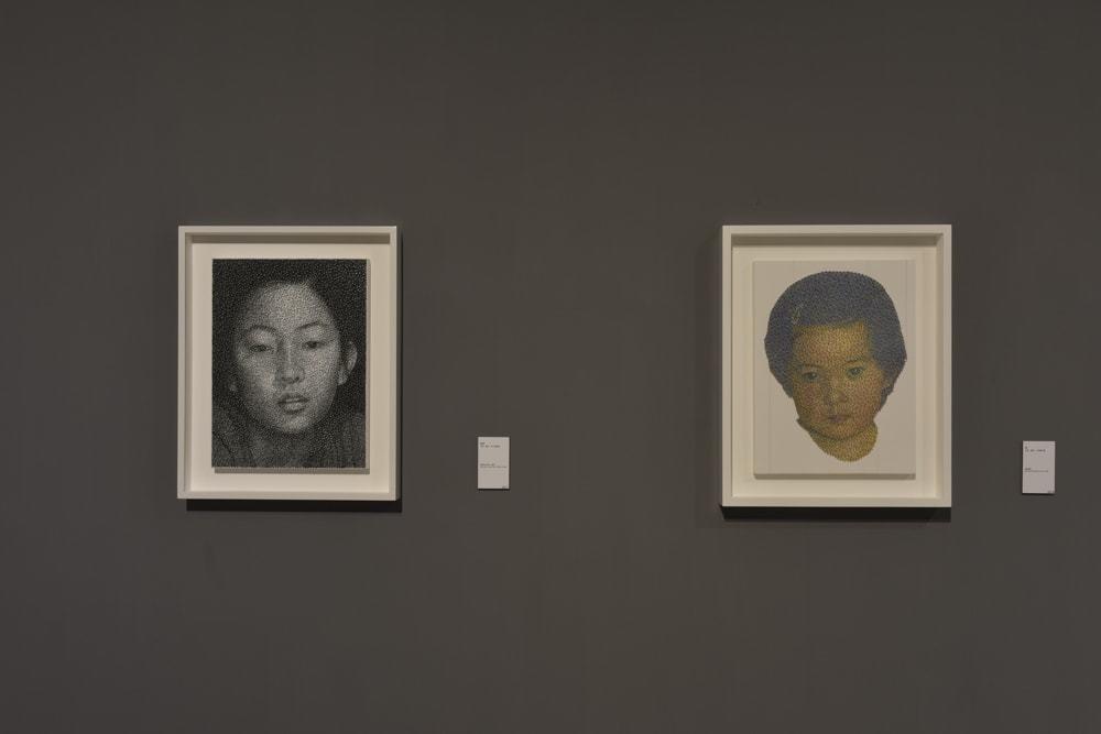 山下工美「星座」系列作品,以一根棉線纏繞釘子,勾勒一張張人物素描。