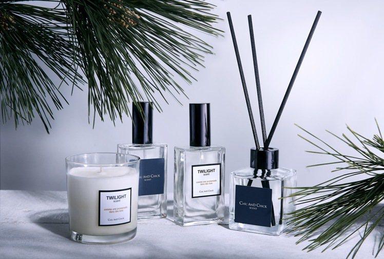 CHIC & CHICK各種香調都有香氛噴霧、天然手工大豆香氛蠟燭和擴香。圖/C...