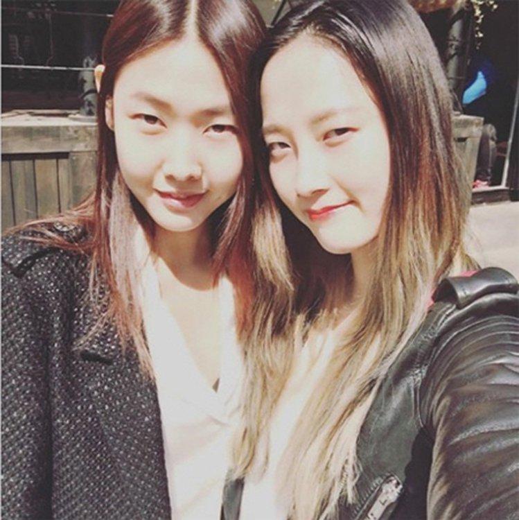 同樣是模特兒出身的朴惠與韓惠珍,也常聯絡感情分享經驗。圖/擷自instagram