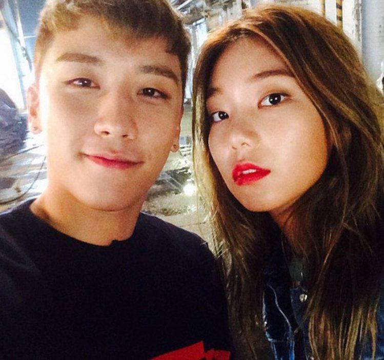 李皓京與韓國天團BIGBANG成員勝利曾合拍過MV。圖/擷自instagram