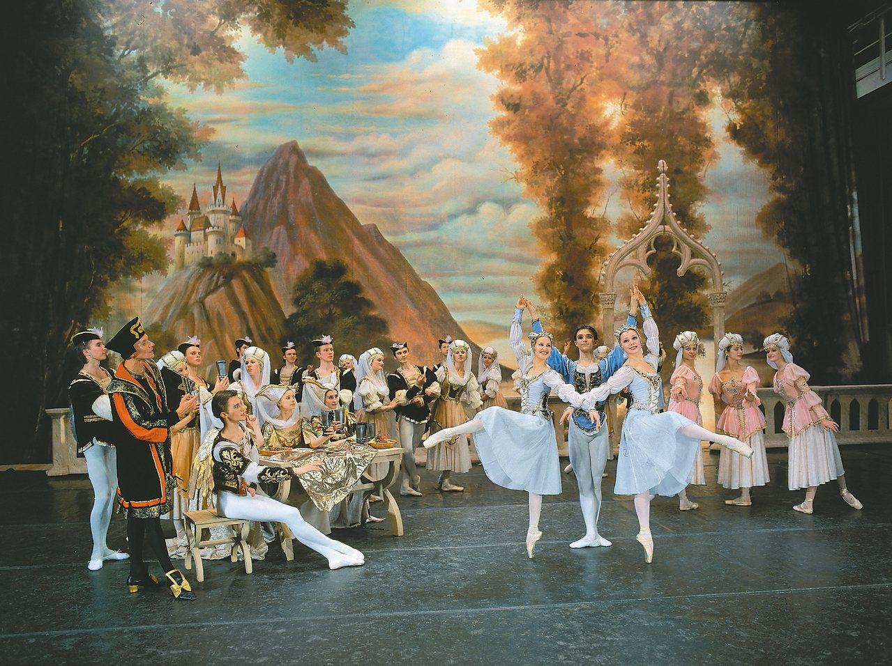 聖彼得堡芭蕾舞團六月將來台演出,圖為《天鵝湖》劇照。 圖/聯合數位文創提供