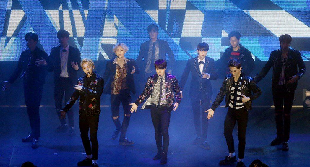 韓國男團PENTAGON昨天在台北舉辦首場SHOWCASE。記者屠惠剛/攝影