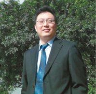 淡江大學全球政治經濟系主任包正豪為學生缺課發怒。 報系資料照