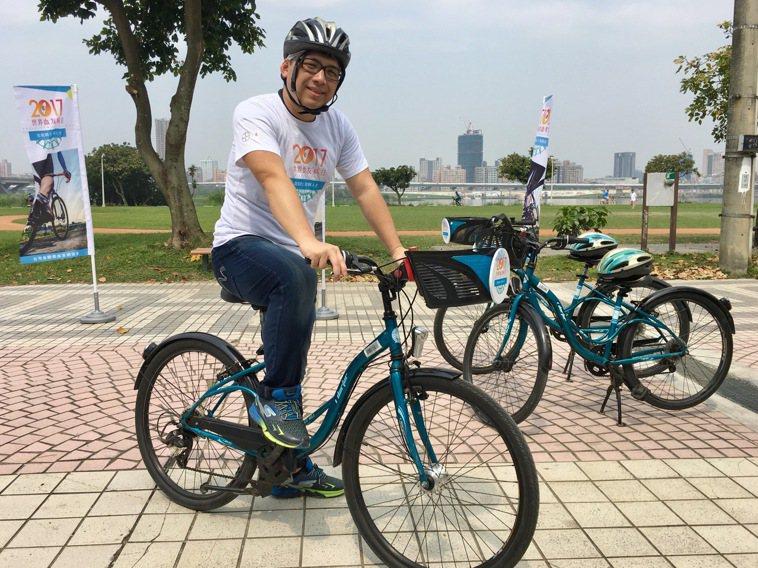 26歲血友病患吳先生有騎重機環島夢。記者鄧桂芬/攝影