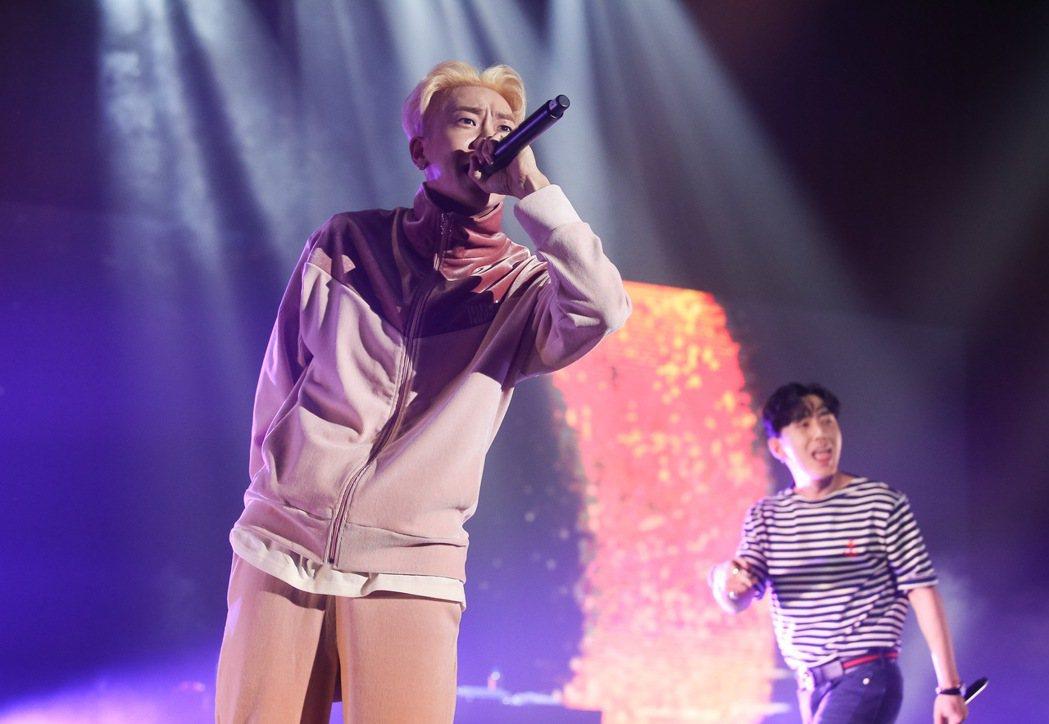 韓國AOMG旗下藝人昨晚在台北國際會議中心舉辦演唱會。記者余承翰/攝影