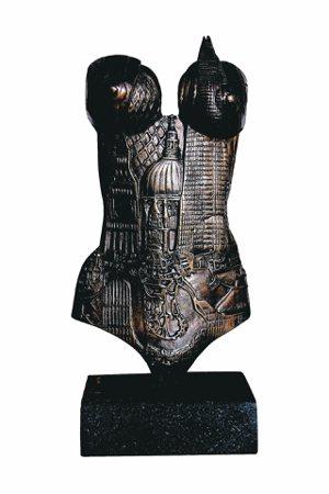 英國Louise Giblin的銅雕作品《iLondon》。 圖/台北新藝術博覽...