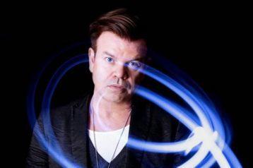 有影響力的英國DJ大神保羅歐肯佛德(Paul Oakenfold),計畫主辦「地表最『high』派對」,他已抵達聖母峰基地營,為這場高達5380公尺的表演做準備。「印度快報」(Indian Expr...