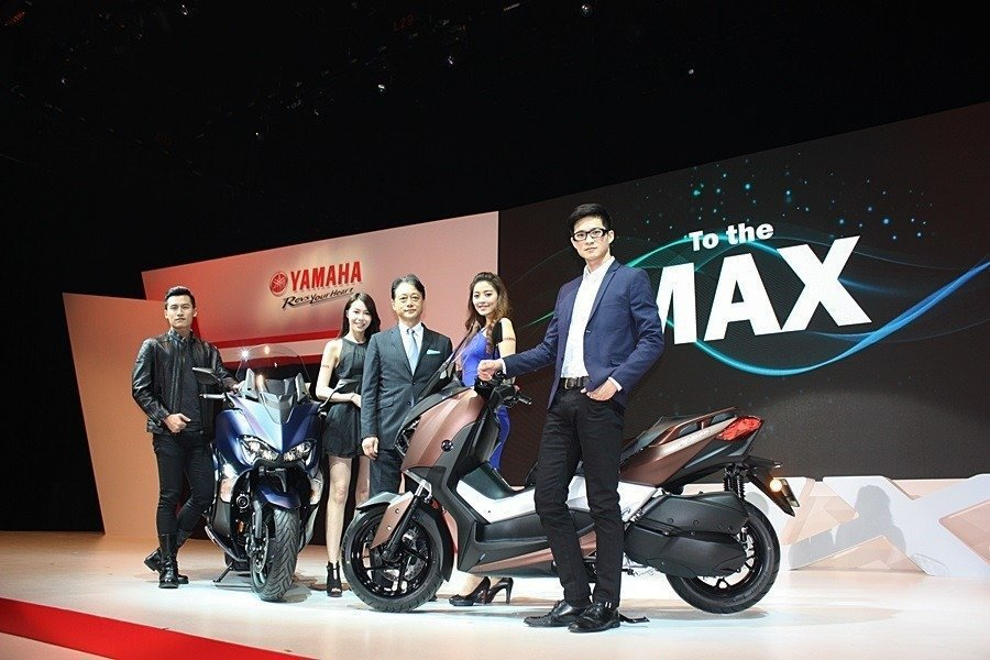 YAMAHA今年開春發表全新TMax 530與運動大羊XMax 300。 記者/...