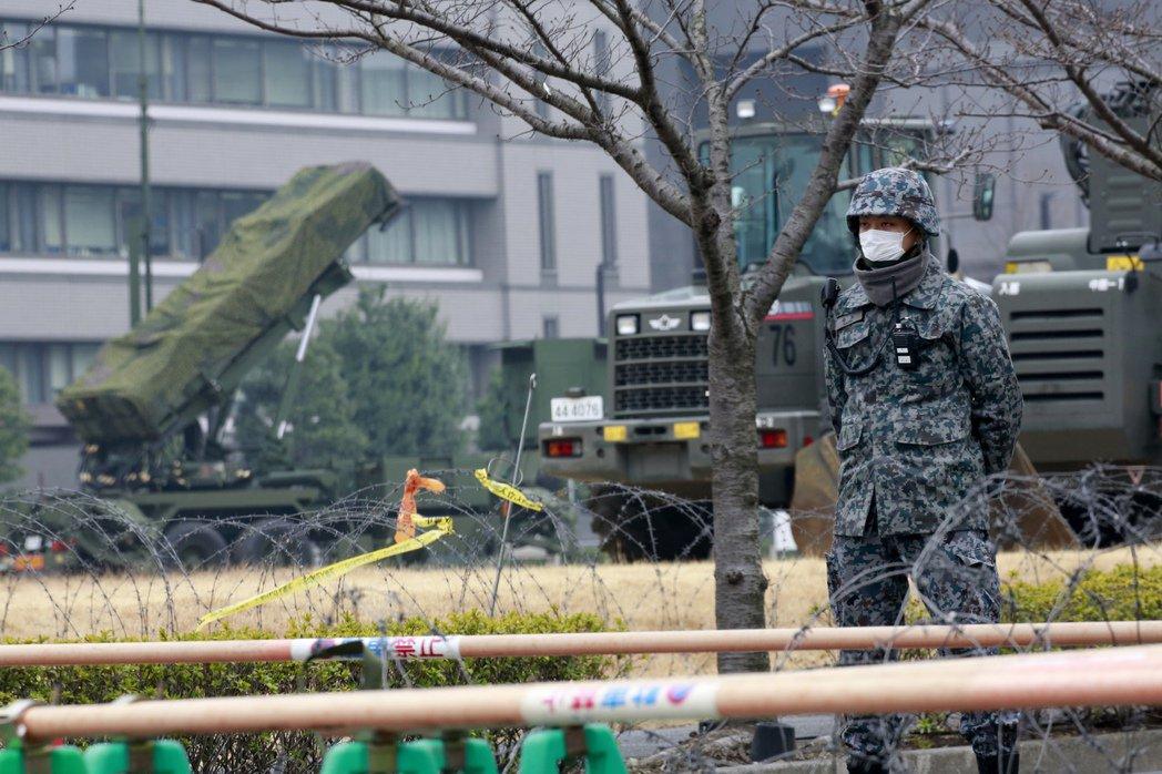 部署在日本防衛省的愛國者三型飛彈。美聯社