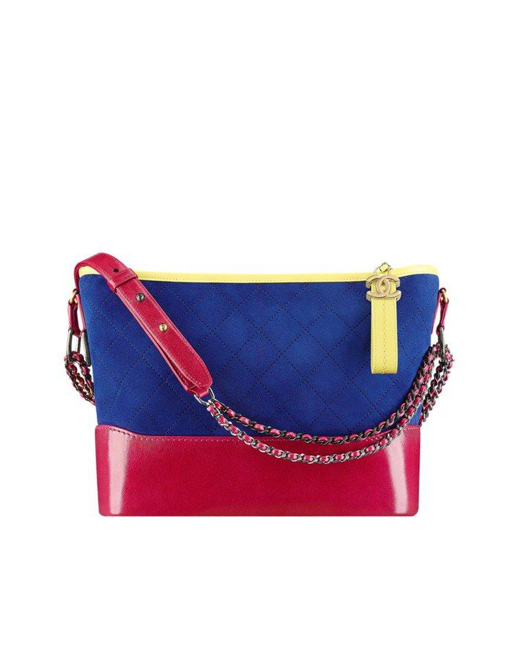 Gabrielle Chanel hobo包,推出麂皮款式。11萬9,700元。...