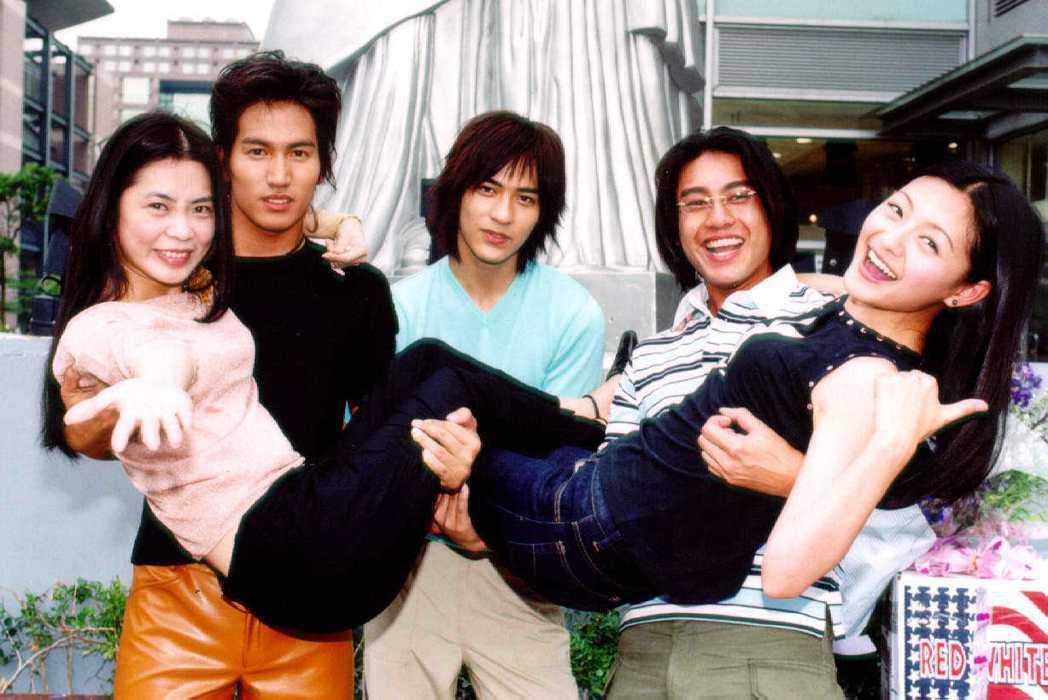 「流星花園」是柴智屏(前左)製作的首部偶像劇,當時她一手打造了F4言承旭(後左)...