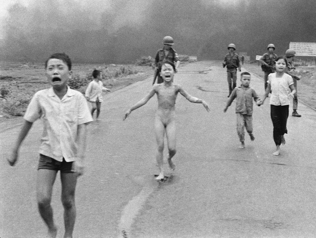 《戰爭的恐怖》1973年普立茲突發新聞攝影獎。 美聯社