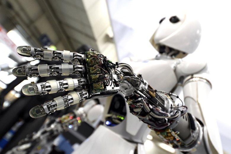 在機器人新世代到來之前,個人可以做些什麼? 圖/路透社