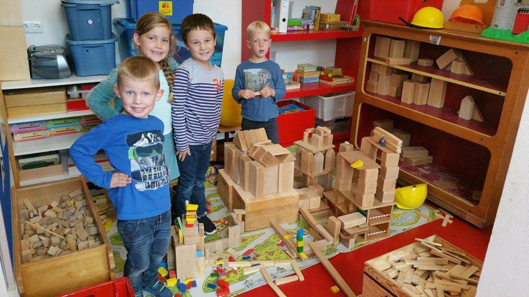 荷蘭小學生的「玩」佔大多數。圖/取自此荷兰非彼河南
