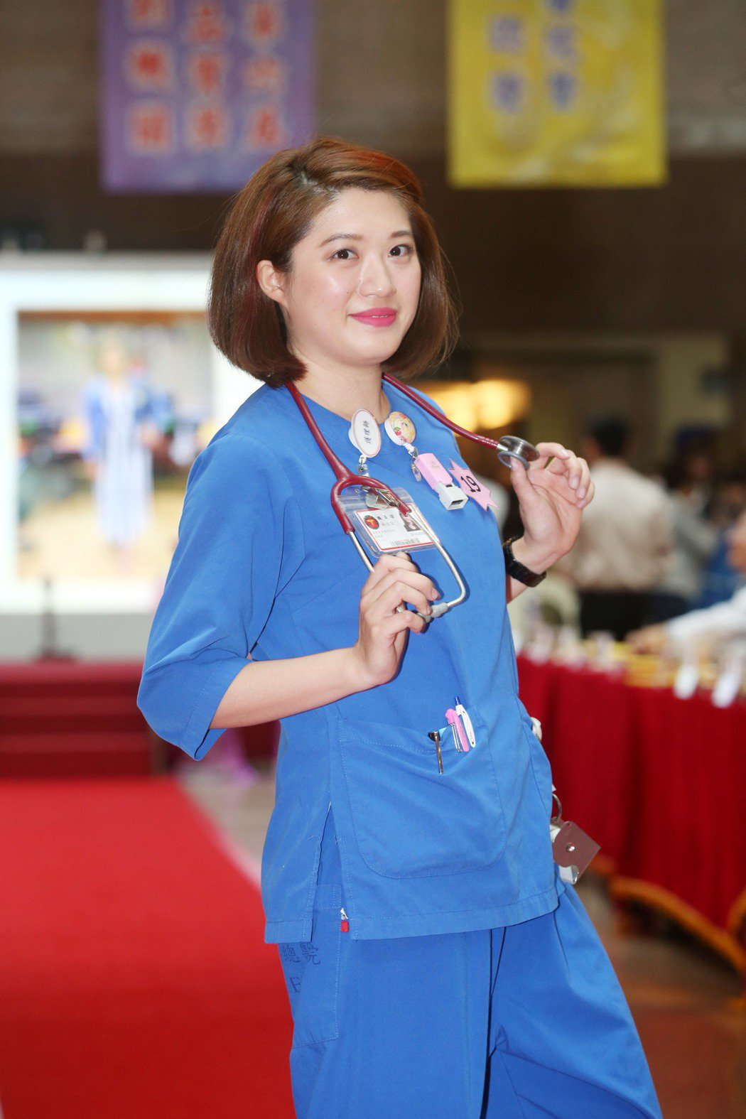護理師林佳誼穿制服走秀,得到第一名。 記者邱德祥/攝影
