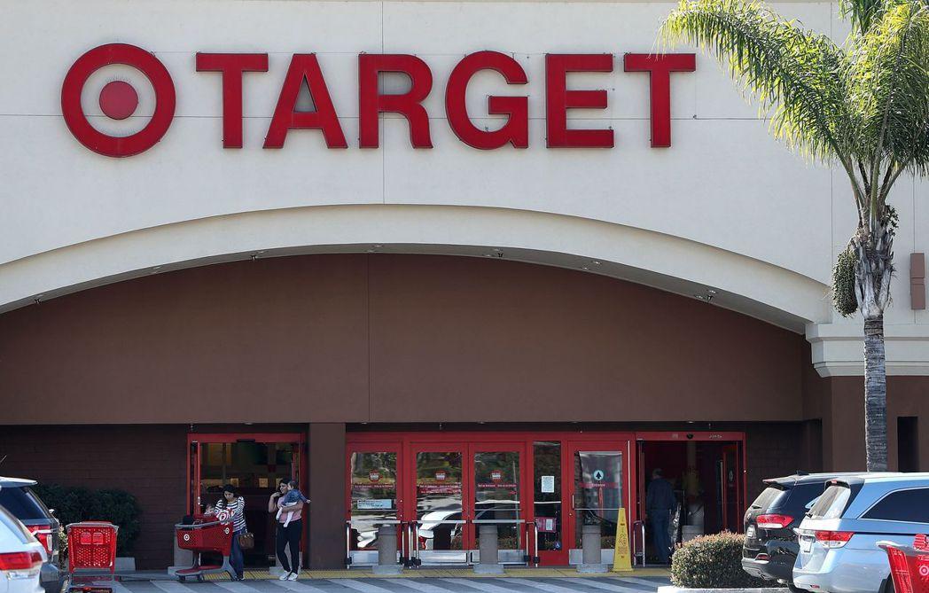 塔吉特(Target)賣場歡迎變性消費者和員工,惹火保守派團體。 法新社