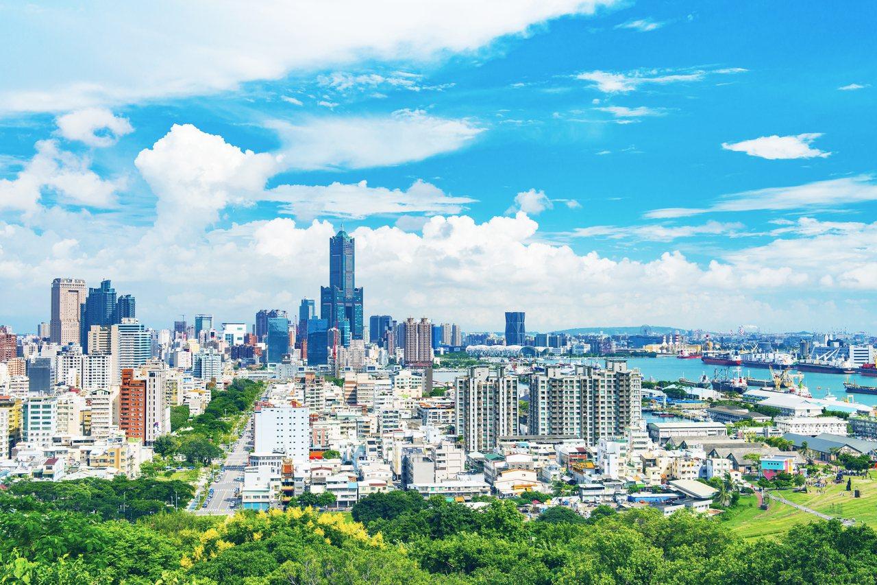 高雄亞洲新灣區房市目前仍是需求大於供給,由於此區土地取得不易,地價持續飆漲,已成...