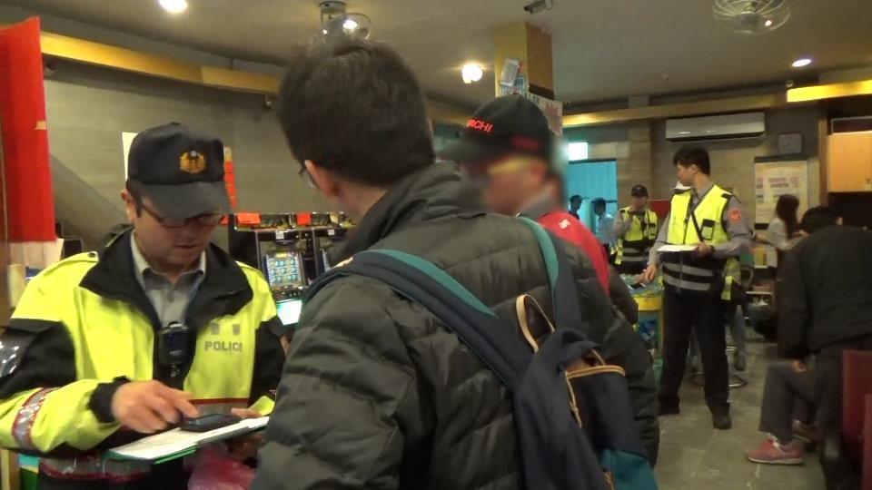 宜蘭檢警大規模掃蕩賭博電玩。圖/警方提供
