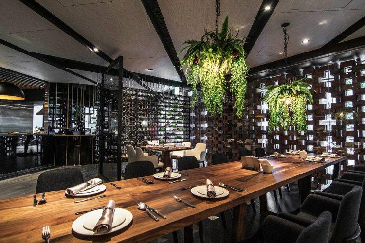 王品牛排大改造走一店一風格,台北羅斯福路店以私廚為主題打造。圖/王品提供