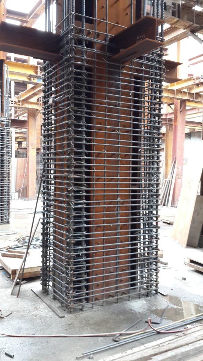「雄崗信義美術館」地下一樓SRC結構柱。 圖片提供/雄崗建設