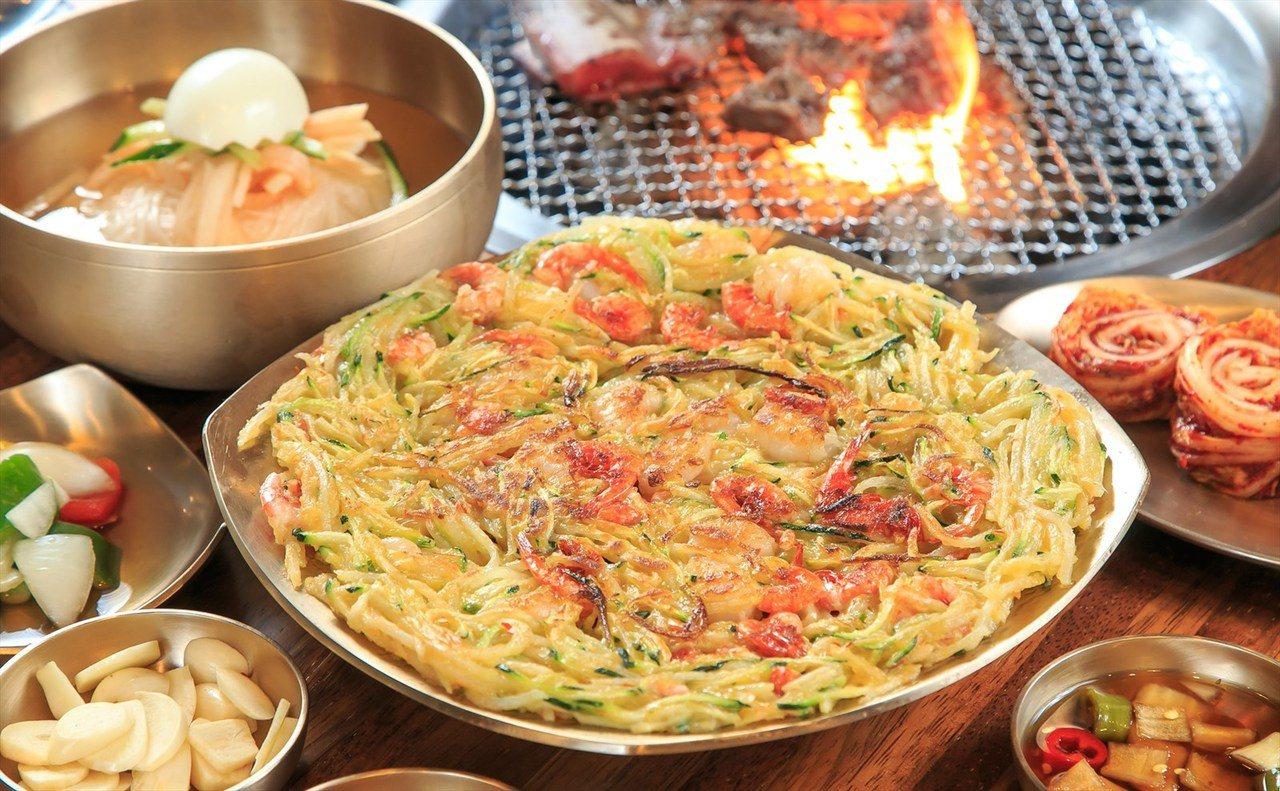 ▲台灣人最愛的韓式煎餅都有南瓜、地瓜、毛蝦等口味可選擇。