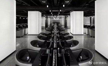 深圳「魔杰電競館」內部裝潢。圖/摘自微博