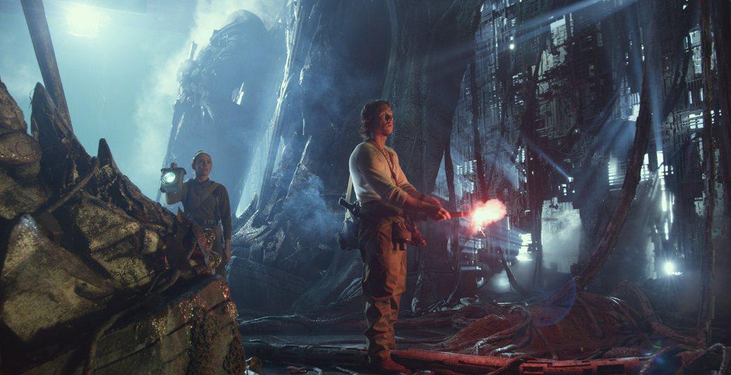 「變形金剛5:最終騎士」最新預告公布。圖/UIP提供
