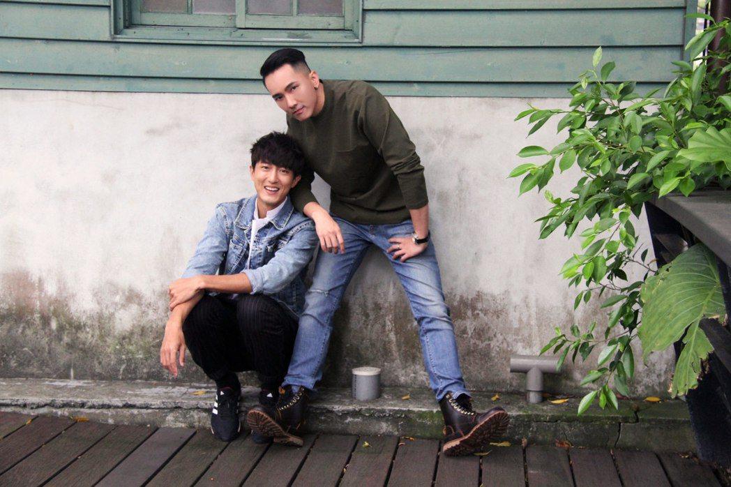 劉雨凱(右)和邱昊奇目前是同家經紀公司的藝人。圖/達騰娛樂提供