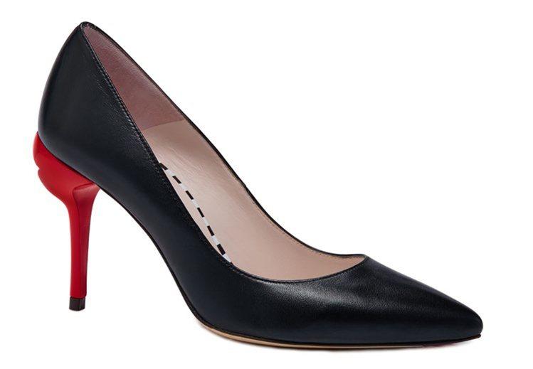 紅唇高跟鞋,12,800元。圖/LULU GUINNESS提供