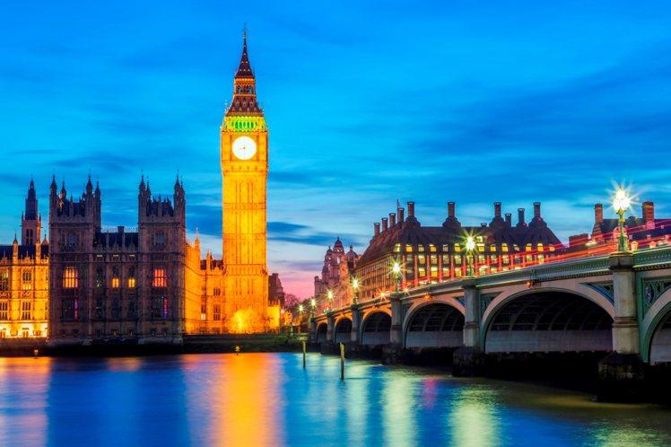 英國倫敦古典氣派辦婚禮如皇家婚禮。圖/Booking com繽客提供