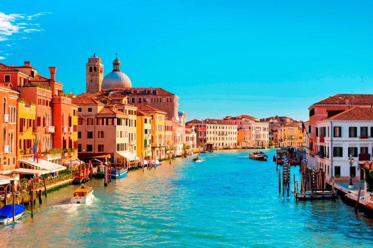 義大利威尼斯打造浪漫水都風婚禮。圖/Booking com繽客提供