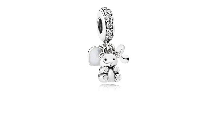 沛莉挑選的「珍愛情意系列」925銀鋯石寶貝吊飾,2180元。圖/PANDORA提...