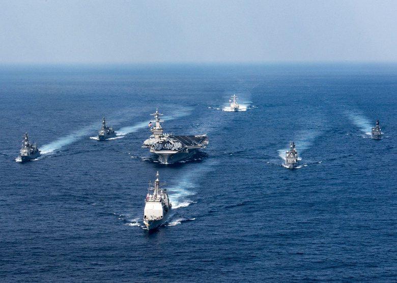 川習會後,美軍迅速命令在新加坡的卡爾文森號航空母艦戰鬥群轉向朝鮮半島,名義上固然要防止北韓可能有後續試射飛彈或核武測試,但其實是在向北京施壓。 圖/歐新社