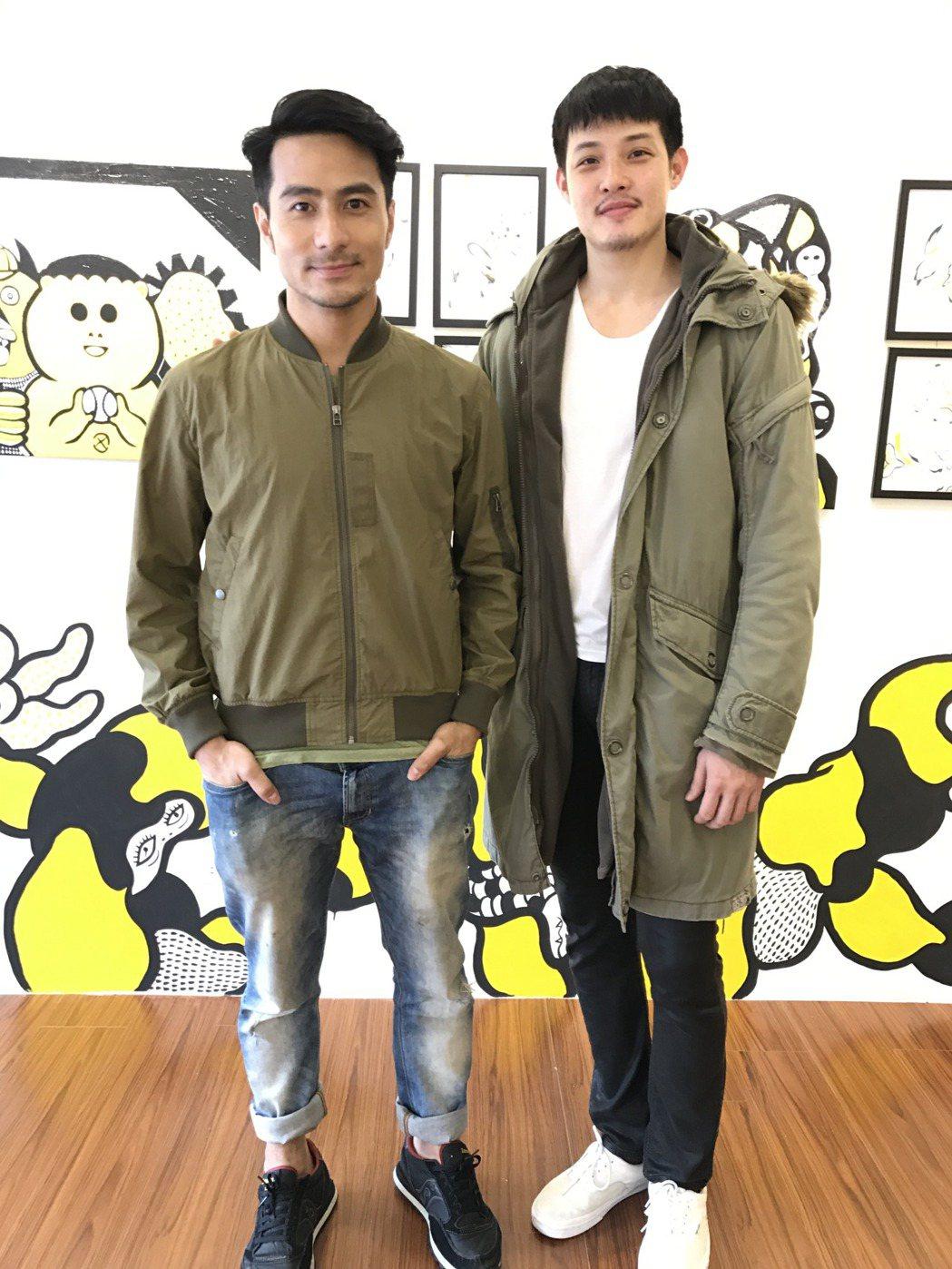 郭彥甫(左)和寇家瑞相約看展,被記者目擊。記者葉君遠/攝影