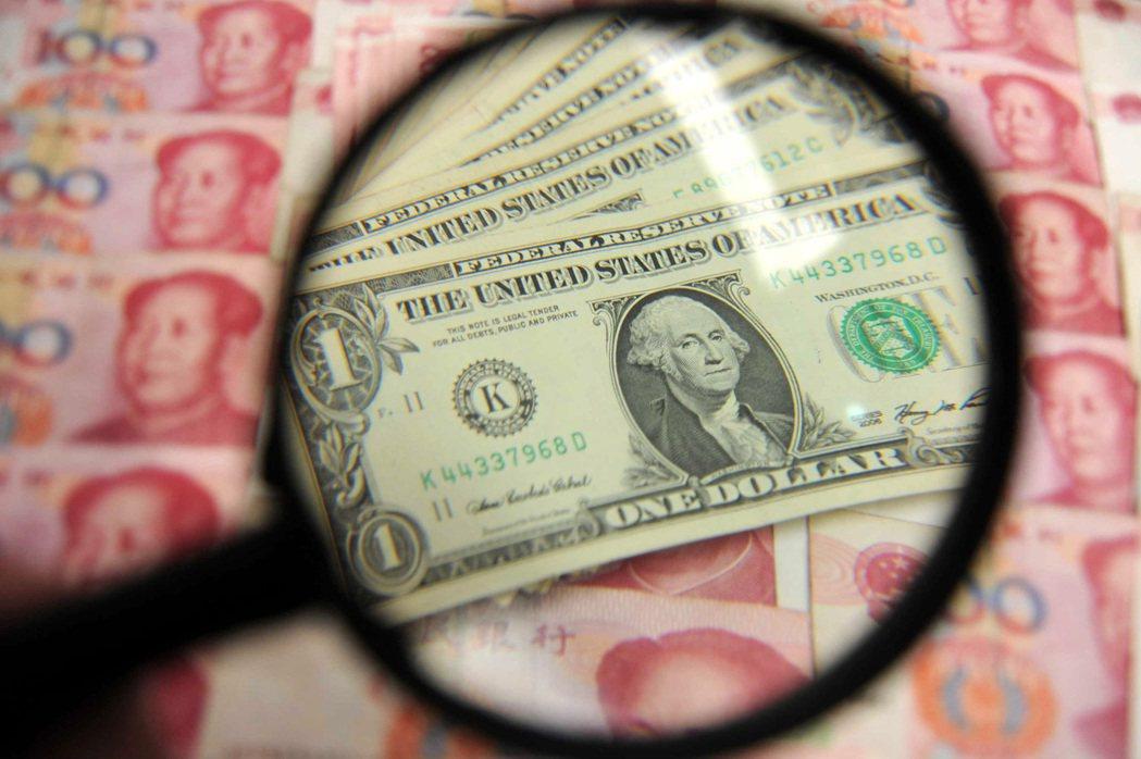 美國總統川普一句「美元太強」,引發新台幣強升。 (新華社資料照片)