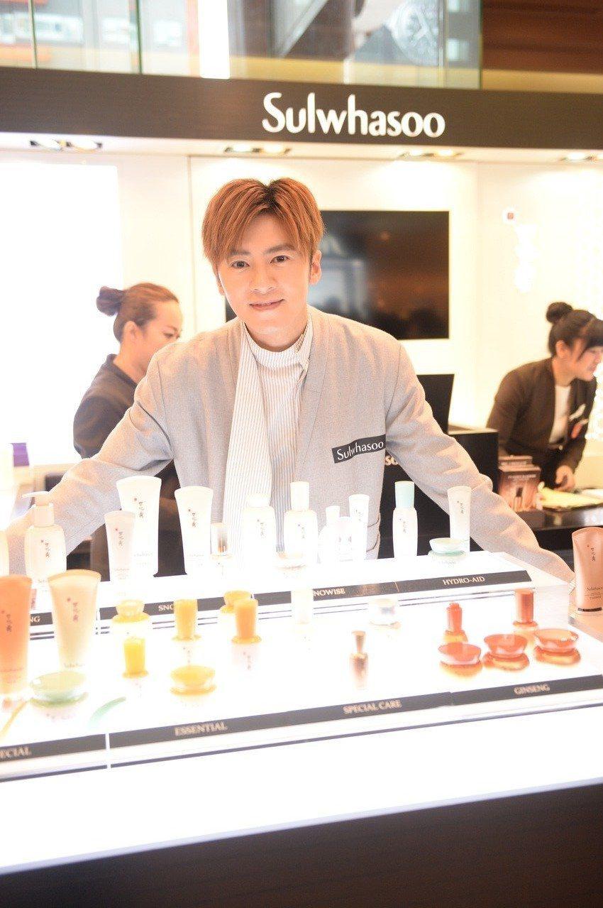 李國毅擔任韓國品牌保養品一日店長。圖/Sulwhasoo雪花秀提供