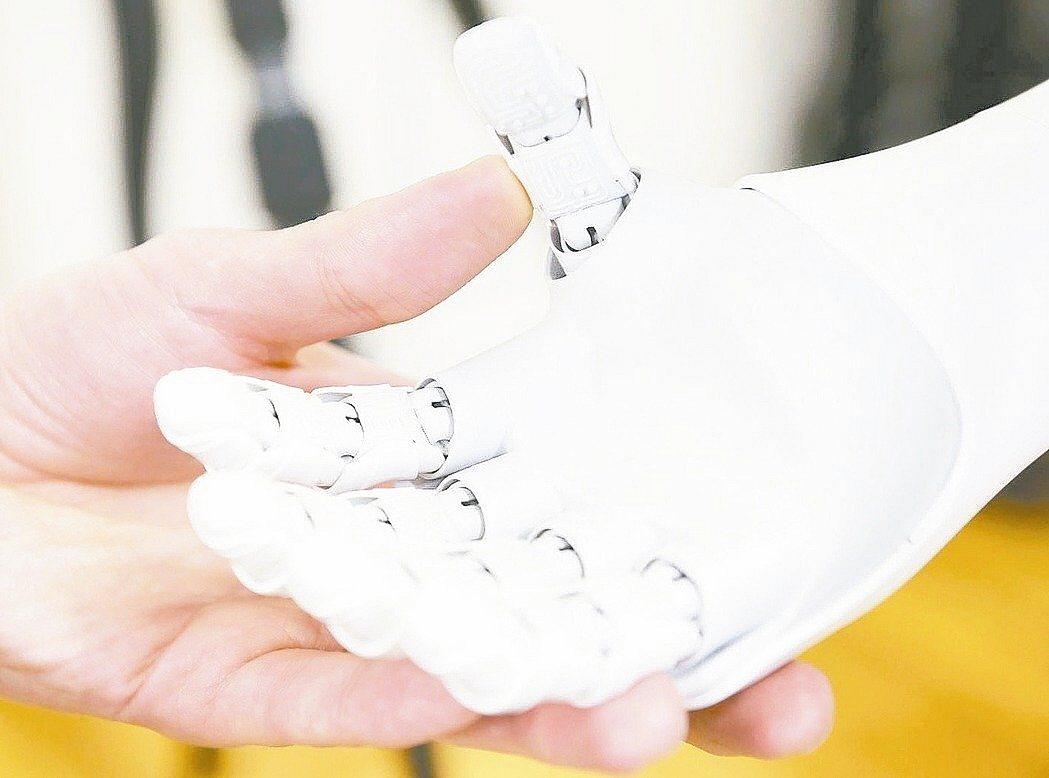 擁有人工智慧的機器人愈來愈普及。 圖/彭博資訊