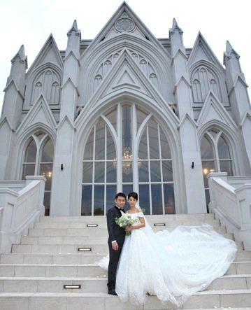 日籍女星大久保麻梨子(Mariko)與老公盧德張(Jerry),今晚在台北舉行婚禮,成為台灣媳婦。