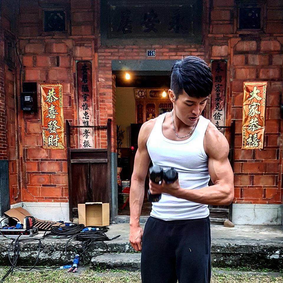 陳禕倫擁有一身健壯肌肉。圖/摘自陳禕倫臉書