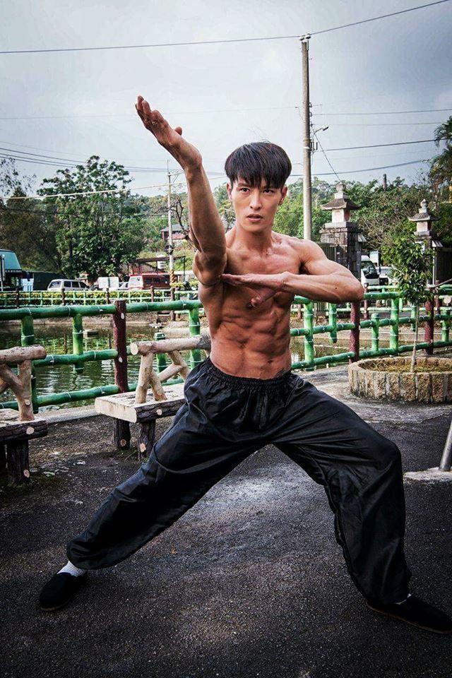 陳禕倫在試鏡時當場耍了一套拳,雀屏中選男主角。圖/摘自陳禕倫臉書