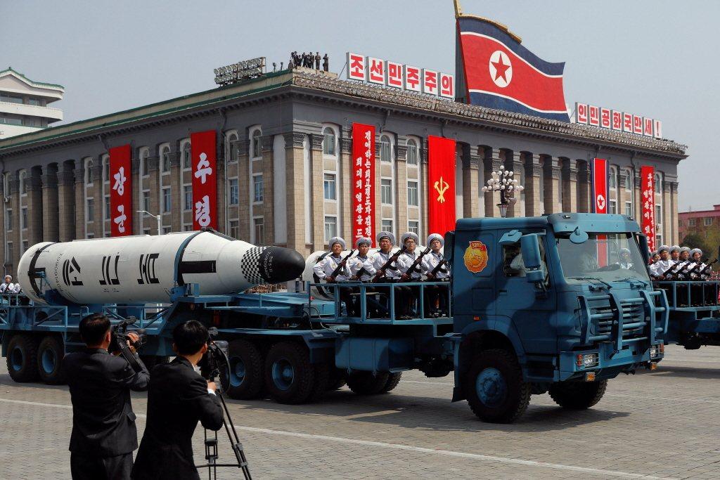 針對北韓試射飛彈,路透分析,川普的反制選項有限,大致可歸為四類:經濟制裁、隱密行...