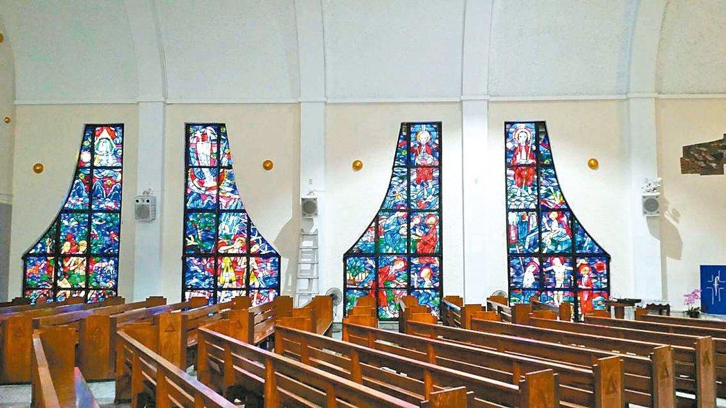 佳興雷射將導光板運用於壁飾燈凸顯教堂內風采。 佳興公司/提供
