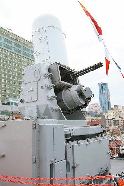 圖為方陣快砲,是我國海軍水面艦的標準配備。 記者洪哲政/攝影