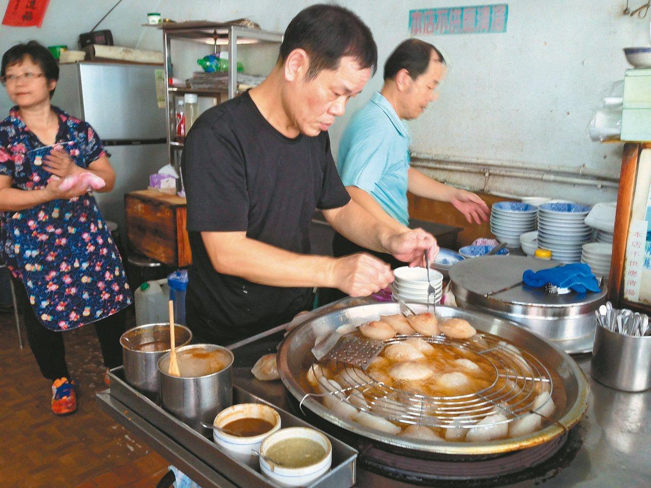 彰化燒肉圓和老擔肉圓、肉圓王的皮,都以番薯粉為主要原料。 楊錦郁/圖片提供